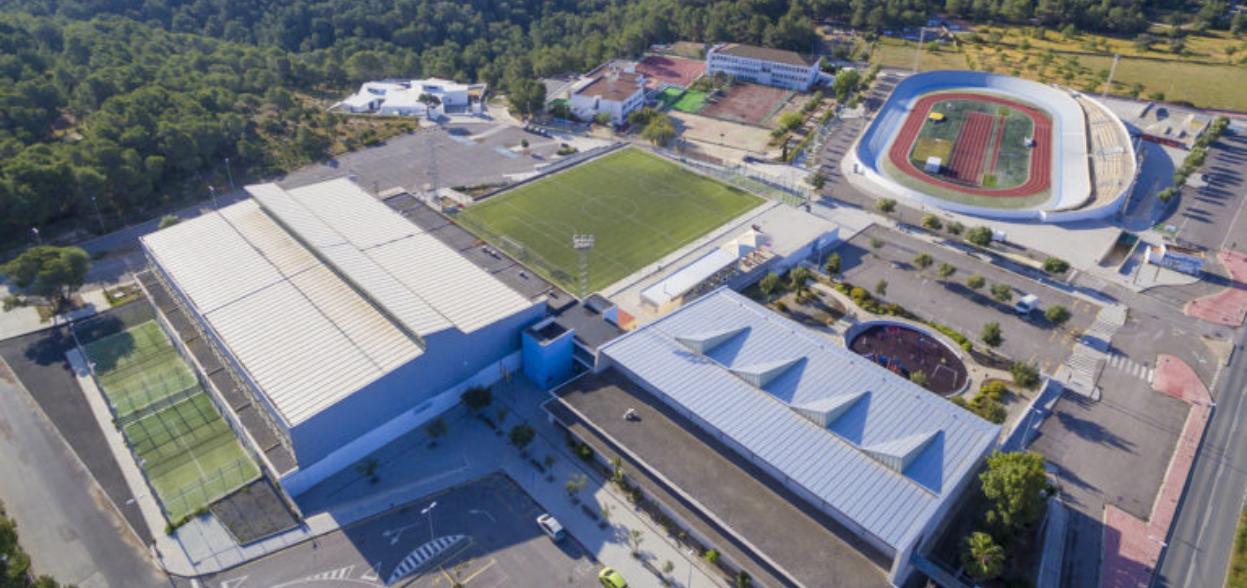 Vue aérienne du complexe sportif Can Coix